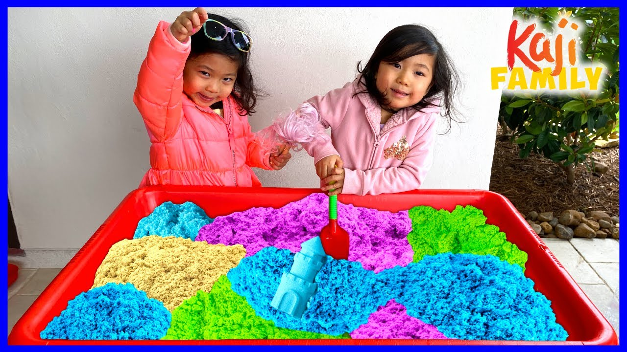 Emma and Kate play with Kinetic Sand Rainbow Kids Toys!!!