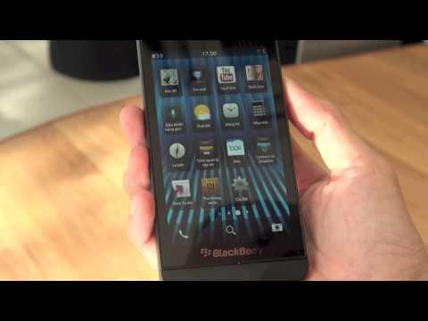 Tinhte.vn - Đập hộp và trên tay BlackBerry Z10 chính hãng tại Việt Nam