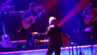 "Neil Diamond, ""Cherry, Cherry"", Verizon Center, Washington, D.C., April 4, 2015"