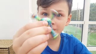 SİHİRLİ STRES ÇARKI ALİ'Yİ HİPNOZ ETTİ! Funny Kid and Magic Fidget Spinner, Pretend Playtime