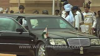 President APJ Abdul Kalam arrives at the Rashtrapati Bhawan for the National Salute