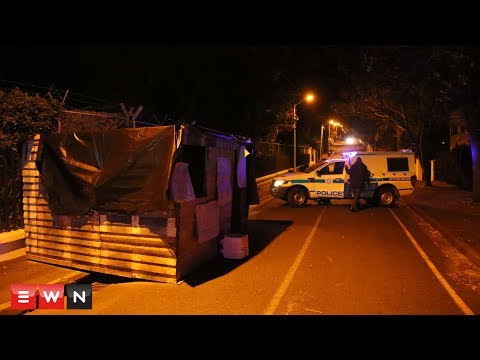 Housing campaigners build shack on Helen Zille's doorstep