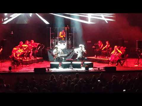 2CELLOS- Chariots of Fire (LIVE)