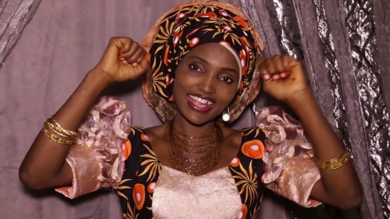 Download HAUWA FULLOU - Alh Abbo Ngaundere SONG (GUDALI) [Hauwa Fullou Yar Fulanin Gombe]