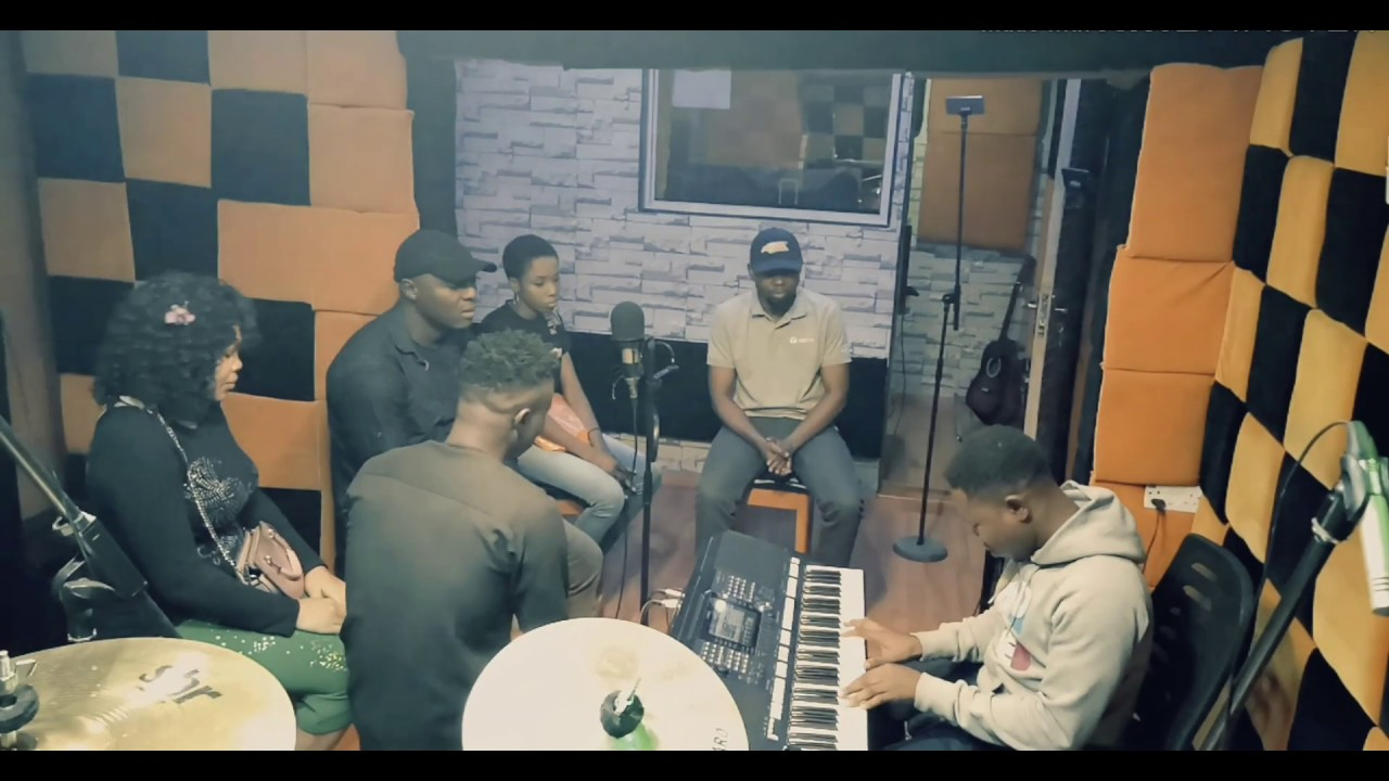 LEAD ME ON - Pst Nonso & Worshipculture Crew  (Spontaneous Worship)  [@nonsopst]