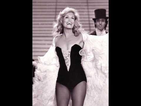Remember.       Dalida canta in italiano.   Dalida.