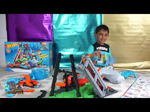 Hot Wheels Ultimate Gator Car Wash Color Shifters with Swirling Whirlpool Review by kid