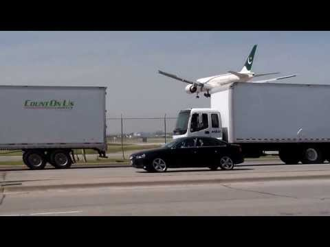 Pakistan International Airlines 777 landing in Toronto on RWY 23