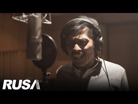 Saleem - Cinta Tiga Segi  Lyrics