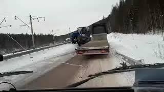 """Смертельное ДТП на трассе """"Вилюй"""" в Усть-Кутском районе"""