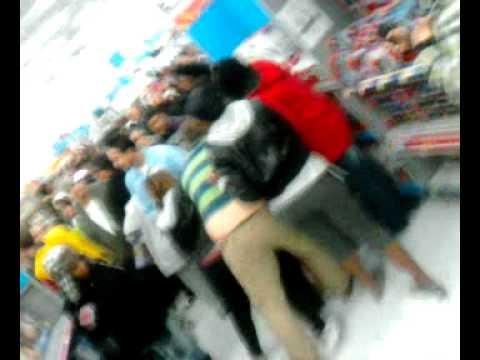 BlackFri fight @ Walmart ; in Racine wi  - YouTube