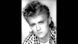 Roger Taylor - Live In London WNEW FM with Scott Muni May 1985 (cuts off).