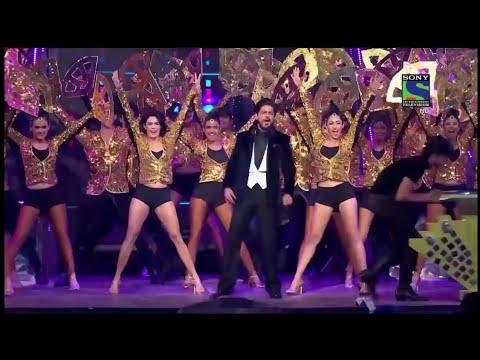 Shah Rukh Khan's Grand Entry in Filmfare Awards   SRK   Karan Johar   Kapil Sharma