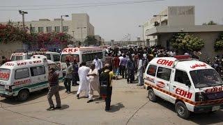 مصرع 19 راكبا فى حادث تصادم حافلة بشاحنة شرقي باكستان