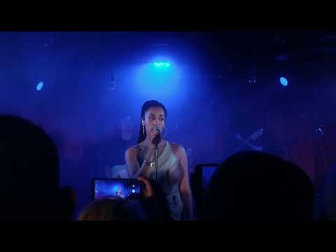 Jorja Smith - Let Me Down (18.04.28)