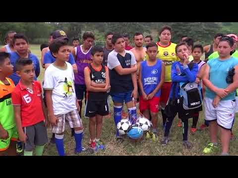Microinformativo Yo Soy de Chone | Entrega de implementos deportivos en Eloy Alfaro
