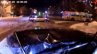 Аварии 2014. Авария в Мурманске(Подписывайся на наш канал и смотри еще больше интересных видео!, 2014-03-23T12:52:03.000Z)