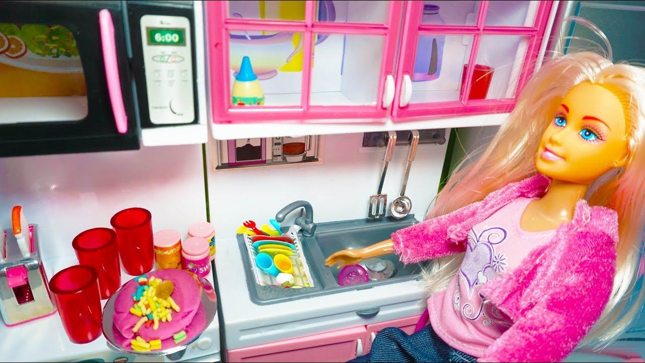 Barbie Masak Mainan Anak Perempuan Mainan Masak Barbie Make A Cake Youtube