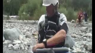 Raphael Thiebaut kayak dans les Hautes Alpes