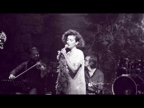 Melike Şahin - Tutuşmuş Beraber - Holly Stone - 27.9.18