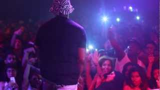 Schoolboy Q lights a blunt on stage and performs Nightmare on Figg St. (FlyTimesDaily.com Exclusive)