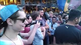 Download Video Feminists attack Melbourne RSDMax Freetour - Unreleased inside footage ( #takedownjulienblanc 2014 ) MP3 3GP MP4