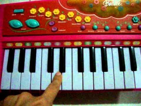 Electronic Keyboard - BARBIE by www.iceandnut.pantown.com