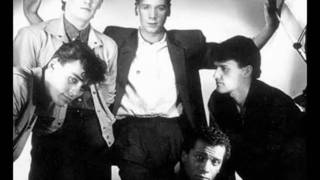 "Simple Minds - I travel  12"" (lyrics)"