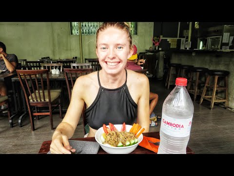 Cambodia Travel Vlog  005 - He Ate Chicken Feet!!