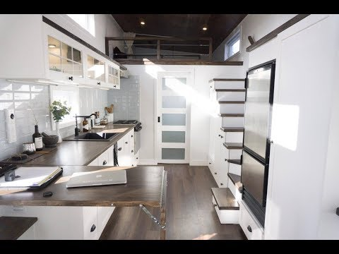 Tiny House Simplifies Downsizing by Minimaliste