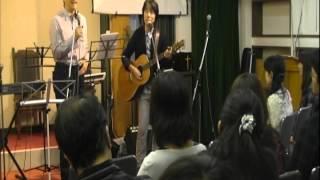 秋の音楽フェスタ 当初出演メンバーが少なく、岡本牧師がうっしーとコブ...