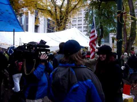 20111113 7:25am TV crews  Occupier