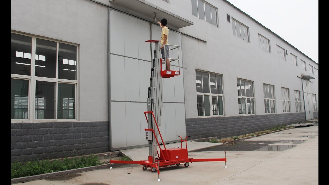 One man lift/ Personal lift platform---lifting up and down