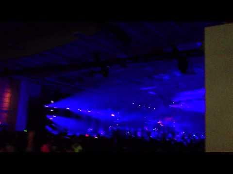 Pier 36 NYE - Armin van Buuren dropping Dash Berlin & Band of Horses - The Funeral