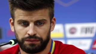بالفيديو .. #بيكيه يعتزل اللعب الدولي .. والاتحاد الإسباني يدافع عنه