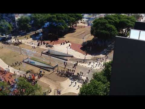 Represion Diciembre 18 Plaza Congreso-Argentina