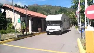 Desalojo organizado del camping Ría de Arousa 2, en Oleiros (Ribeira) por prenveción por un incendi