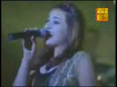 Afghani pashto song by a russian girl