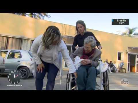Internação em clínica pode ser melhor opção em caso de Alzheimer - SBT Notícias (03/08/17)