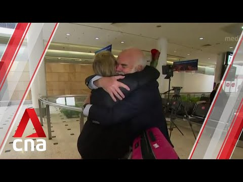 Australia-New Zealand travel bubble: Teary-eyed reunions as first flight arrives in Sydney