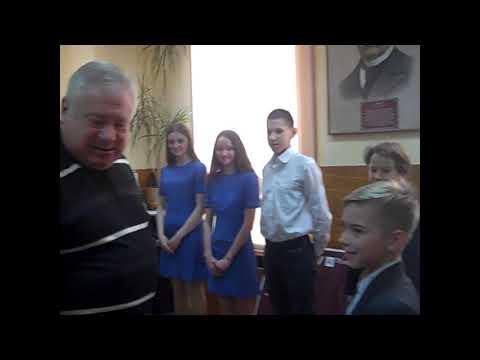 ObriIzyum: Юним ізюмчанам подарунки від  Народного депутата
