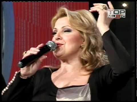 Quand Snežana Đurišić chante Imena mi mog toute la Serbie se lève