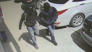 Люди в масках ограбили банк на Уралмаше