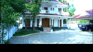 Kerala Traditional Home Mixed With Modern Elements | Dream Home 3 Jan 2016