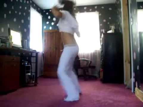 Прекрасная попа танцует фото 784-520