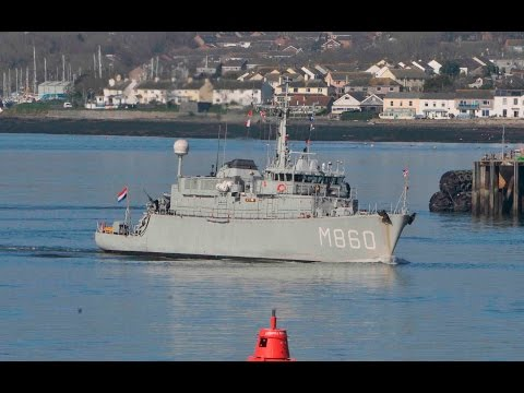 ROYAL NETHERLANDS NAVY MINEHUNTER HNLMS SCHIEDAM M860 LEAVES DEVONPORT NAVAL BASE - 13th March 2017