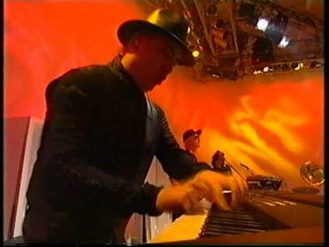David Bowie The Voyeur Of Utter Destruction (As Beauty)    The White Room '96
