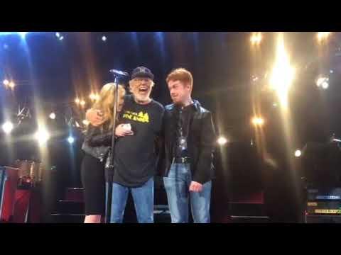 Bob Seger-DTE-Bob's kids on stage