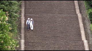 上皇ご夫妻は、6月12日に京都市内にある明治天皇陵に到着され、陵墓を参...