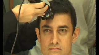Aamir khan cutting HAIR - Rare video-unseen video